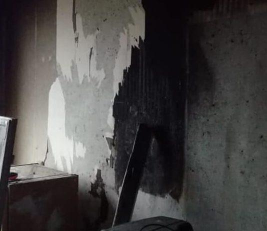 Жильцы превратили свой дом в помойку. Фото: yarreg.ru