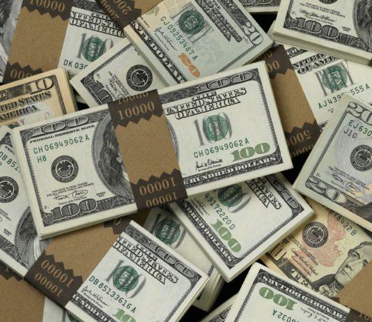 Доллары. Фото: hdoboi.kiev.ua