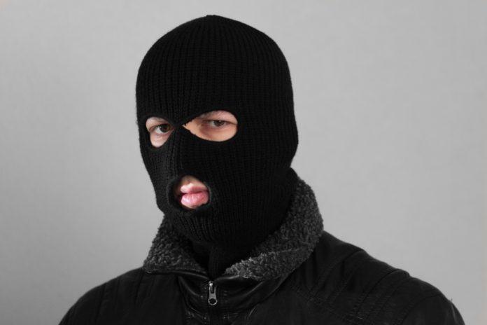 преступник, маска. криминал