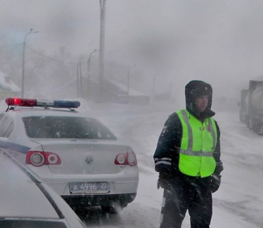 Снег, ГИБДД, дорога. Фото: newsru.com