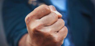 кулак, насилие, угроза
